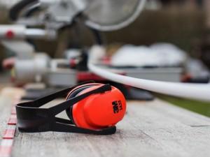 Importanța protecției auditive la locul de muncă